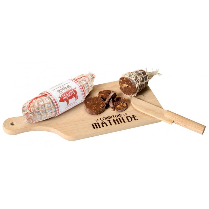 Saucisson en chocolat lait praliné noisette avec une véritable planche à découper et son couteau (factice)