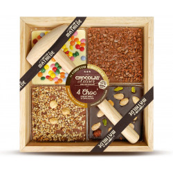 Milk chocolate with hazelnut and fudge chips, white chocolate with chocolate candies, dark chocolate with dried fruits